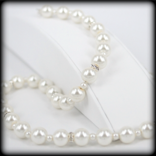Stunning Cream Pearl Necklace