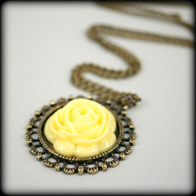 Lemon Flower in Antique Bronze Cabochon